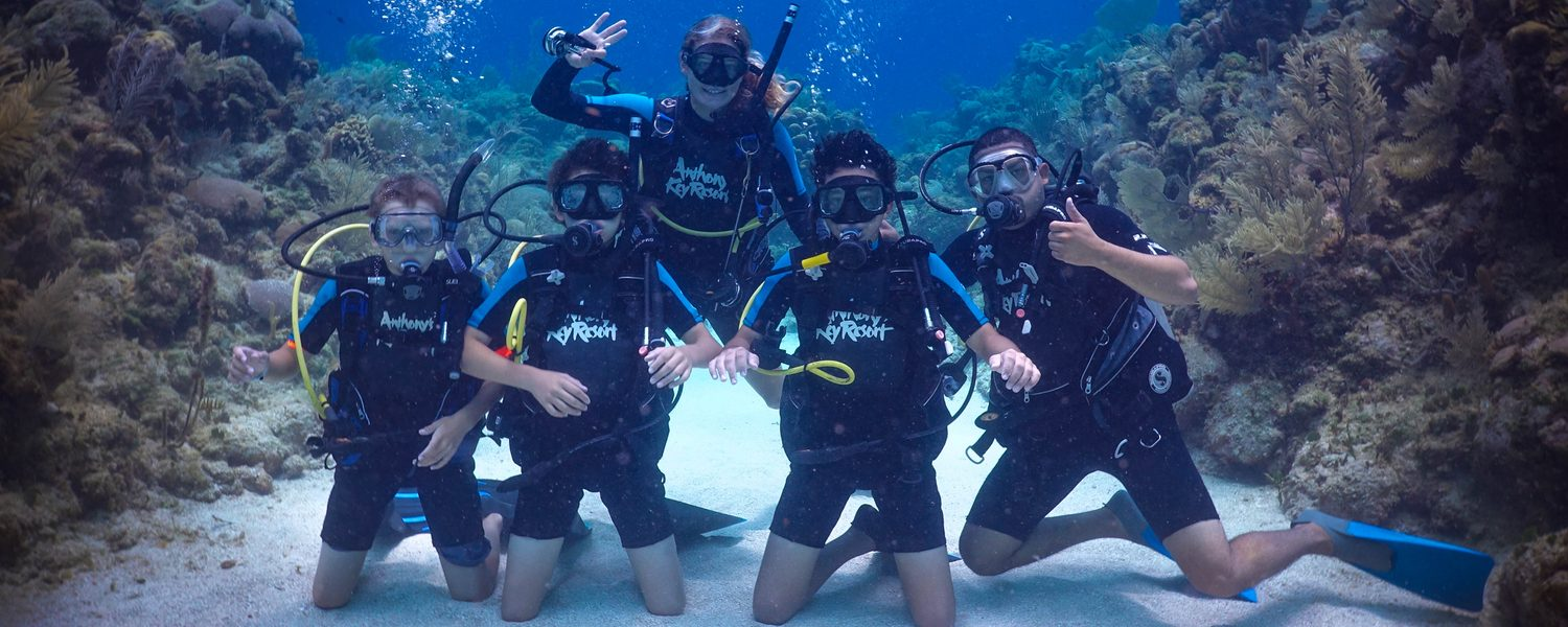 Dolphin Scuba Summer Camp For Kids In Roatan Anthonys Key Resort