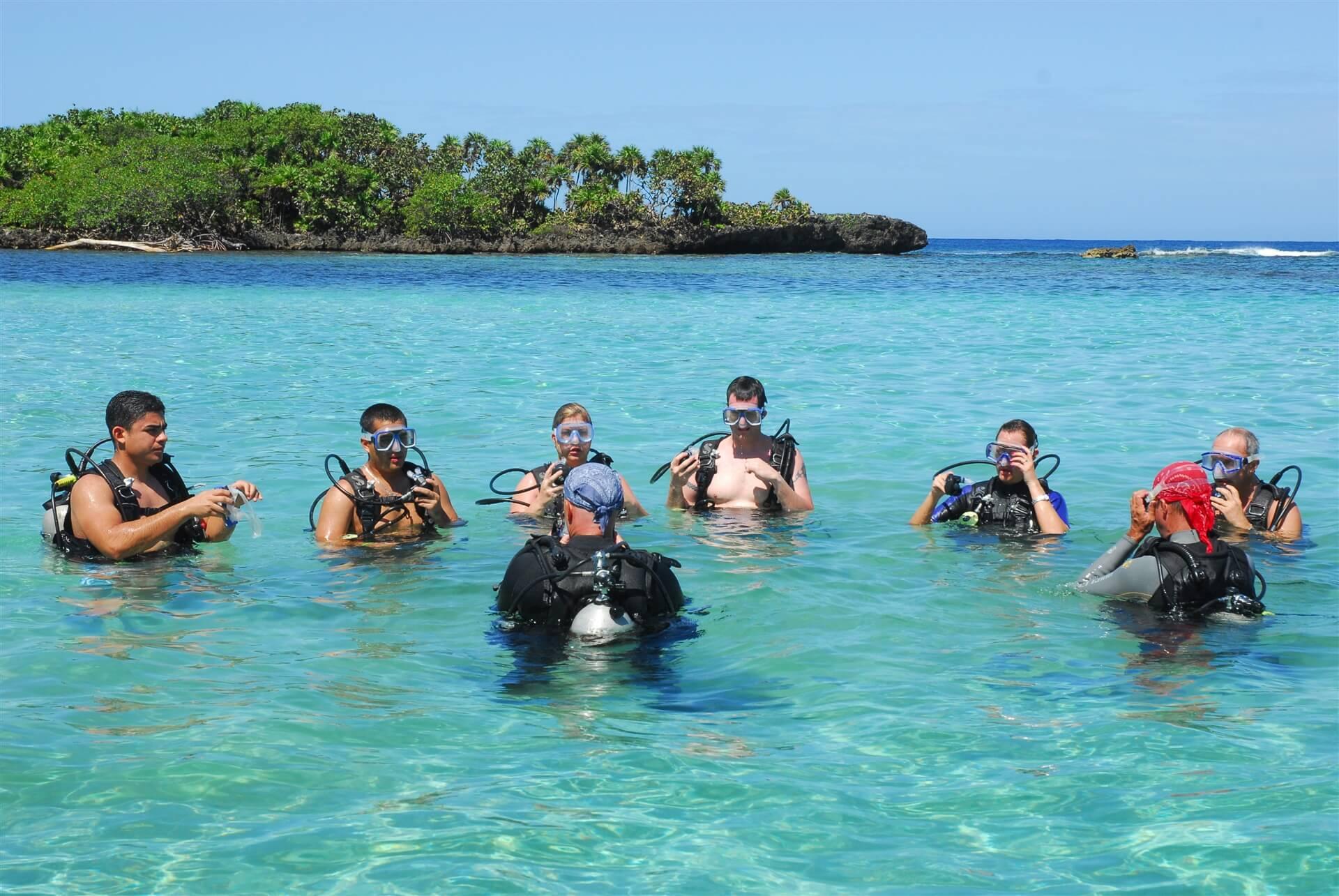 Scuba instructions anthony s key resort - Roatan dive sites ...